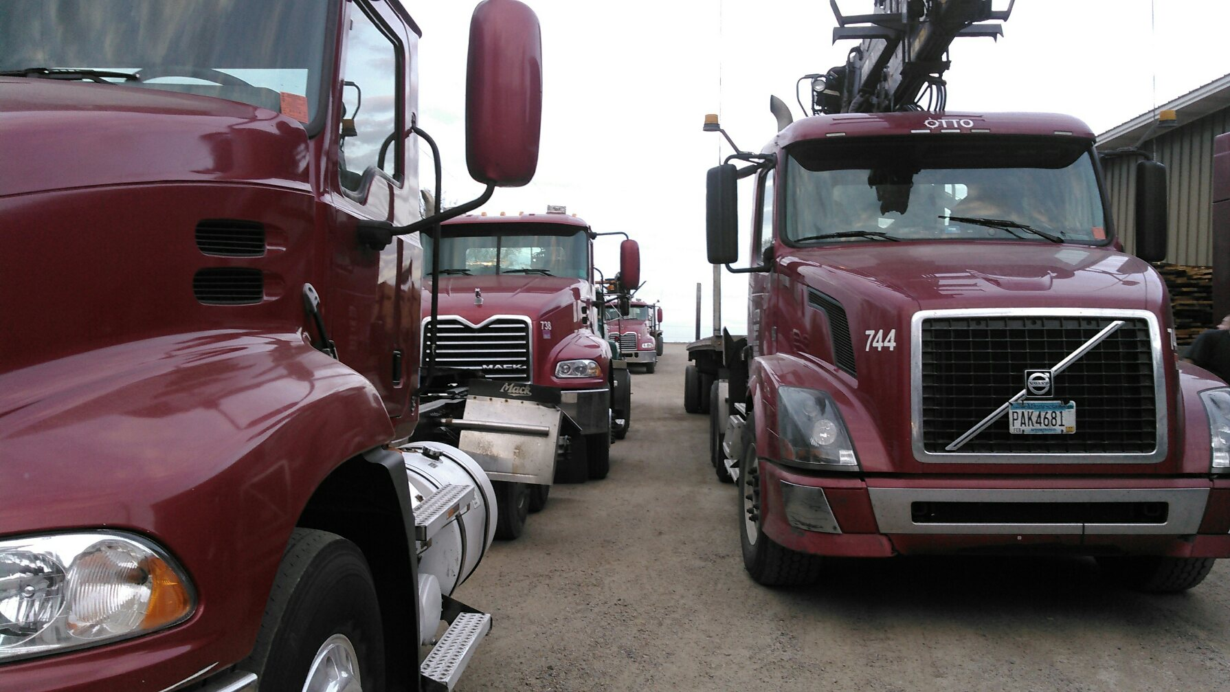 Flatbed Specialized Trucking Company MN | Home on Weekends